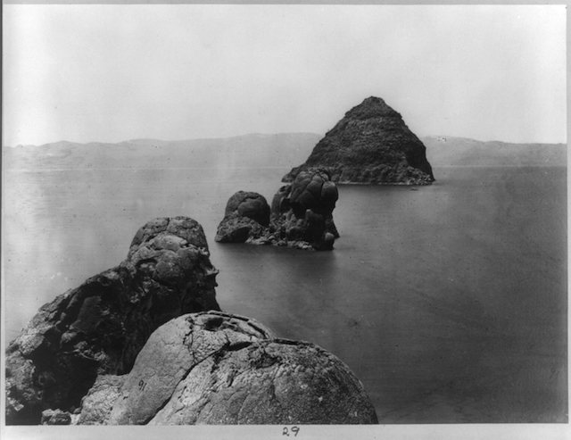 Fig. 14. Tufa Domes, Pyramid Lake, 1867, Timothy O'Sullivan (with King survey), albumen print from mammoth glass plate negative, Library of Congress, digital ID ppmsca.11875.